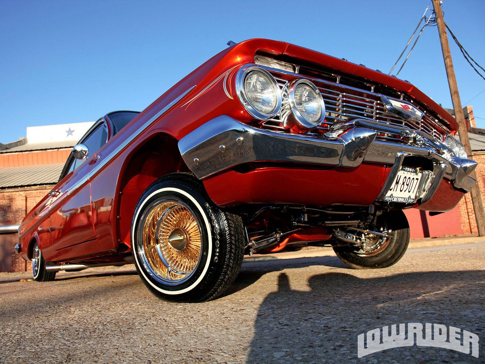 1304-lrmp-06-o-1961-chevrolet-impala-gold-daytons2