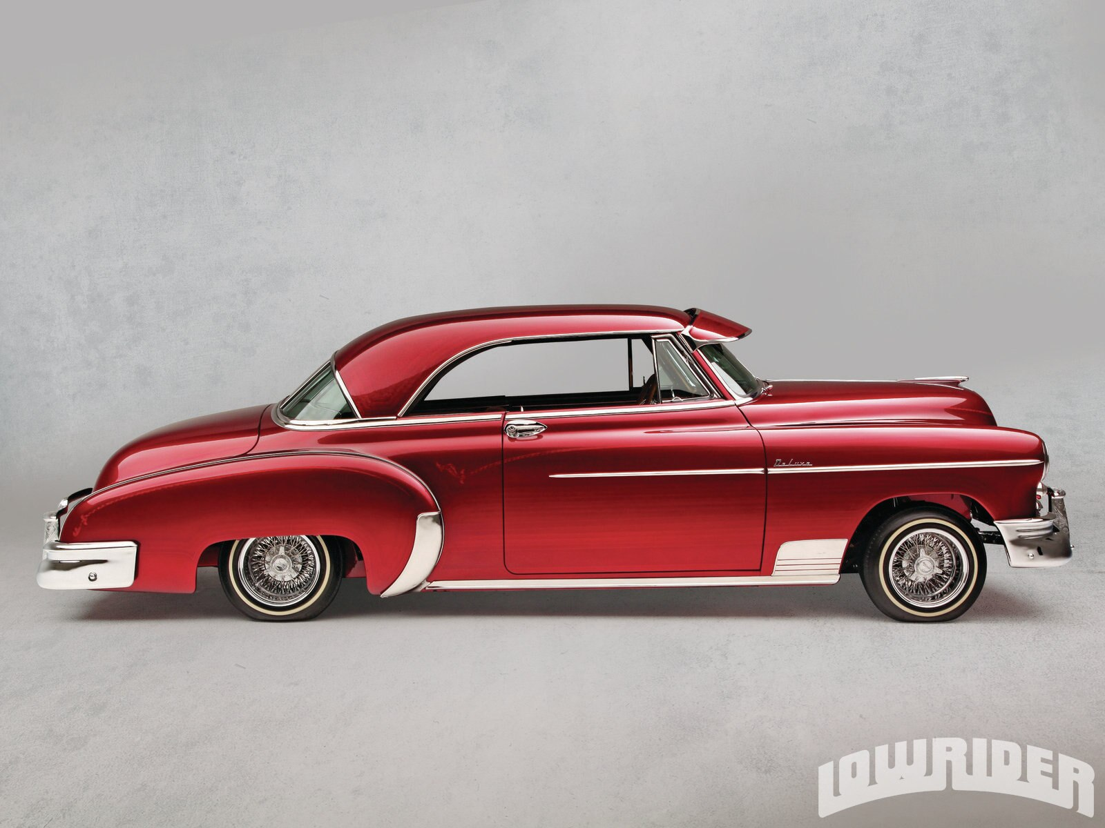 1305-1950-chevrolet-deluxe-right-side-view1