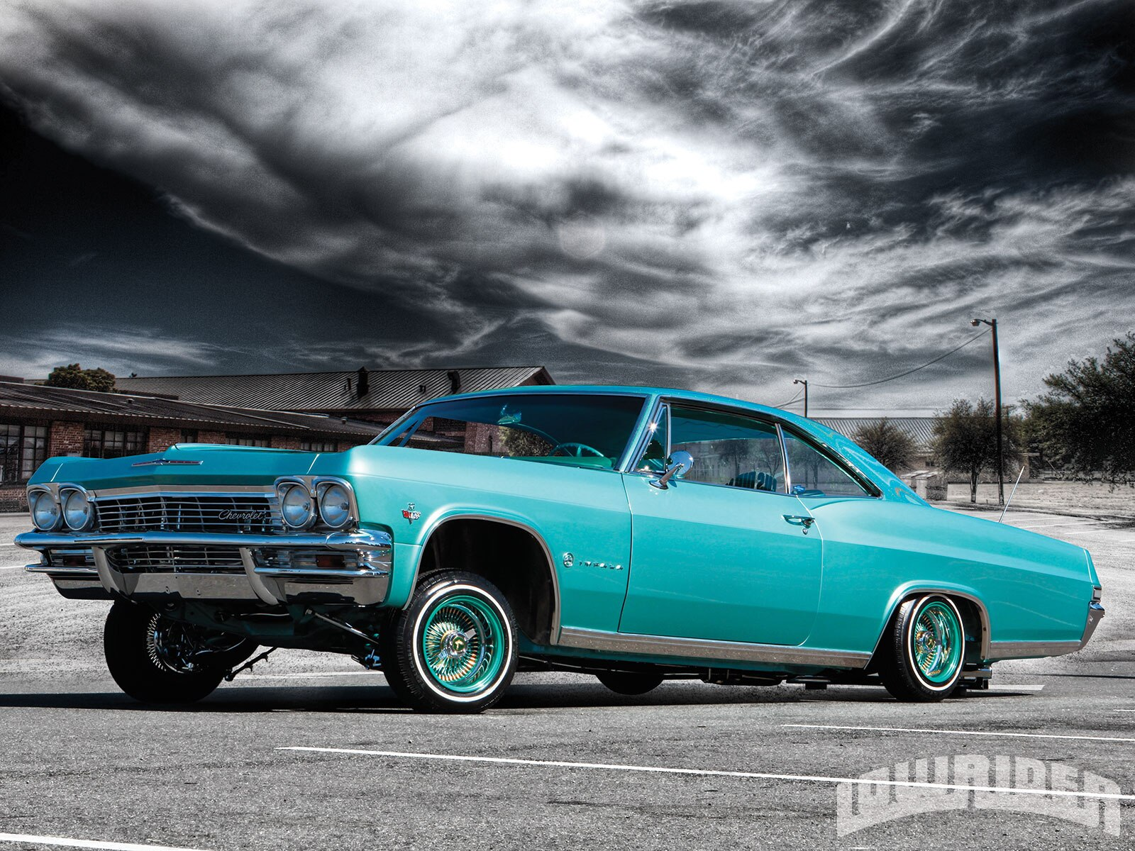1305-1965-chevrolet-impala-front-left-side-view2