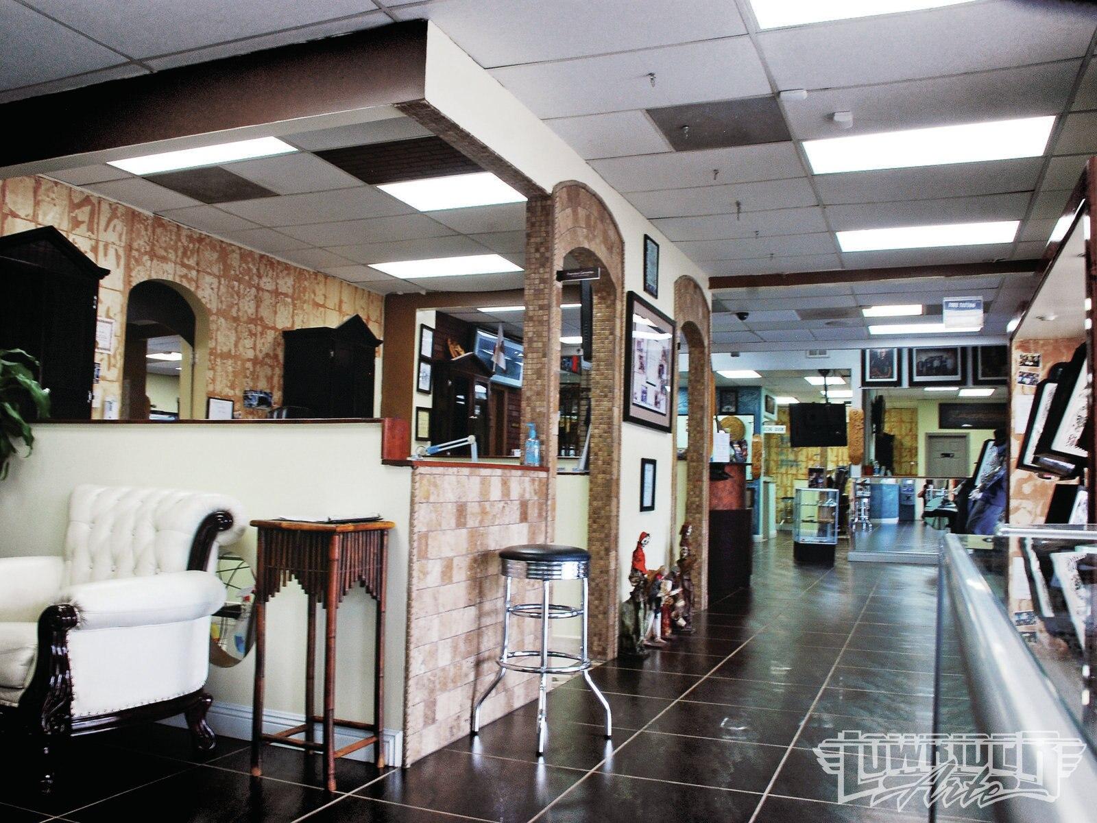 latin skulls tattoo studio shop visit lowrider arte magazine. Black Bedroom Furniture Sets. Home Design Ideas