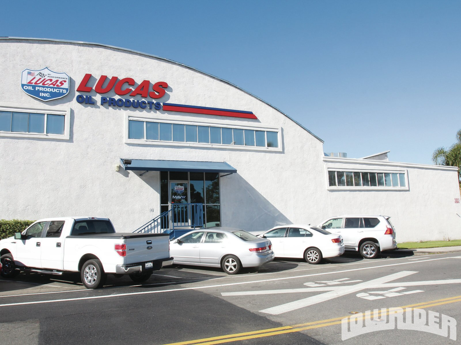 1305-lucas-oil-shop-visit-headquarters1