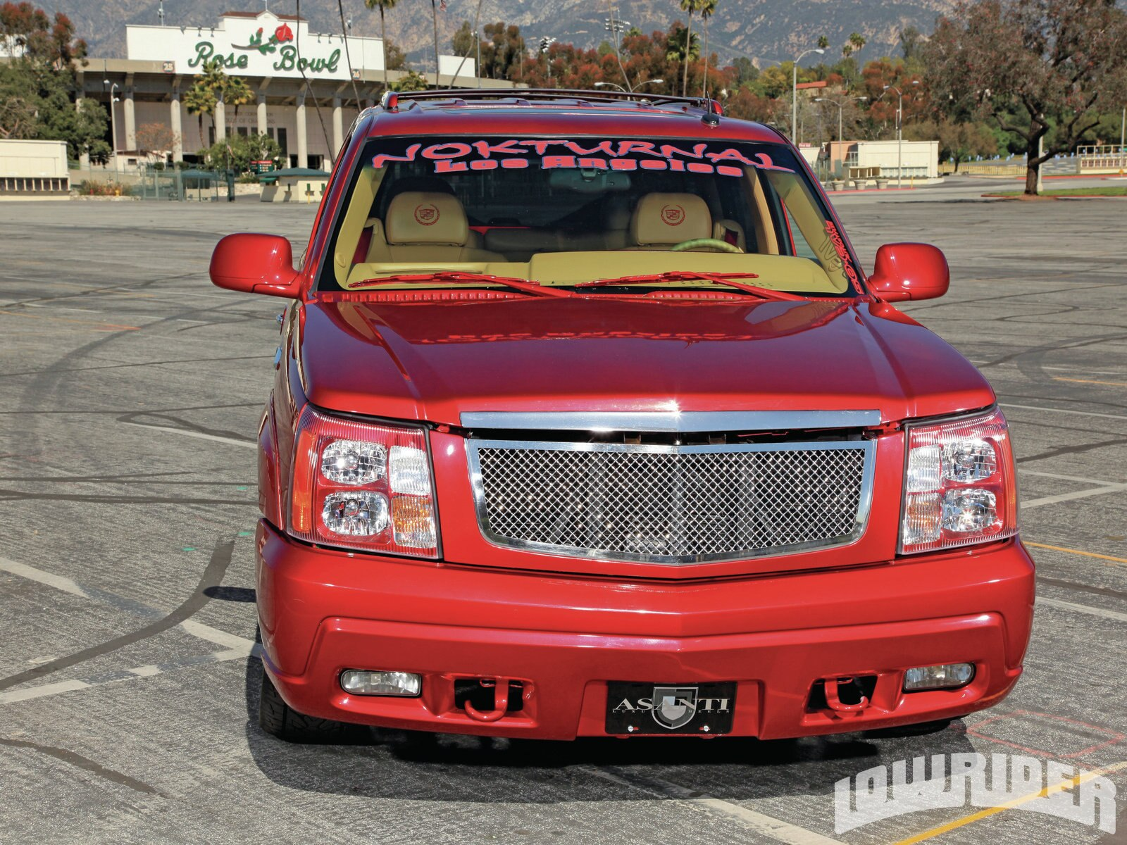 2002-cadillac-escalade-front-grille-view1