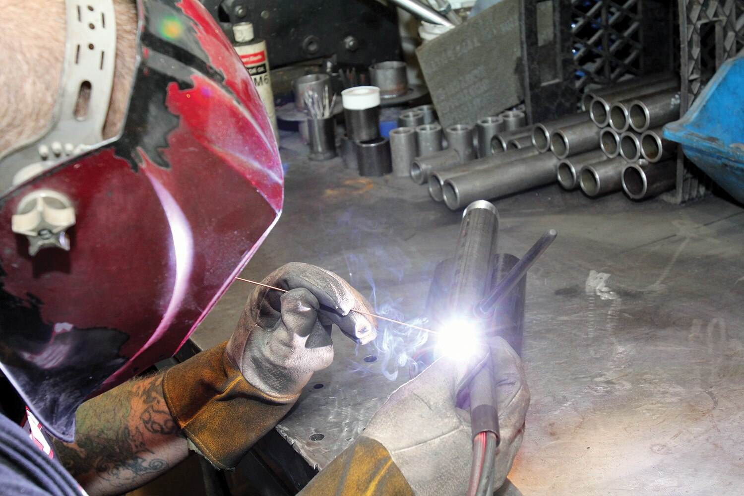 CCE-hydraulic-cylinders-welding-promo