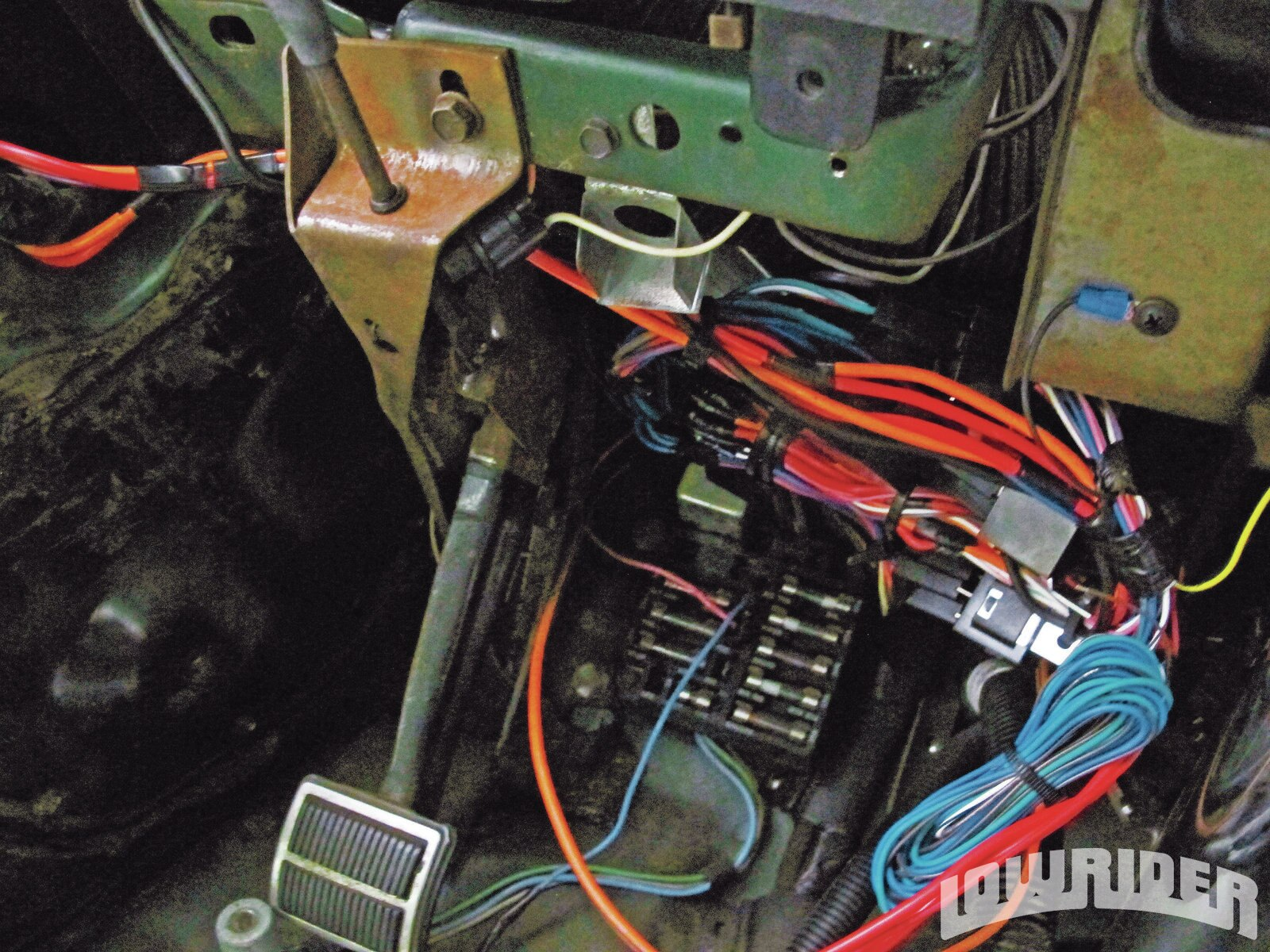 <strong>20</strong>. After it was all said and done, we tucked the wiring back under the dash.