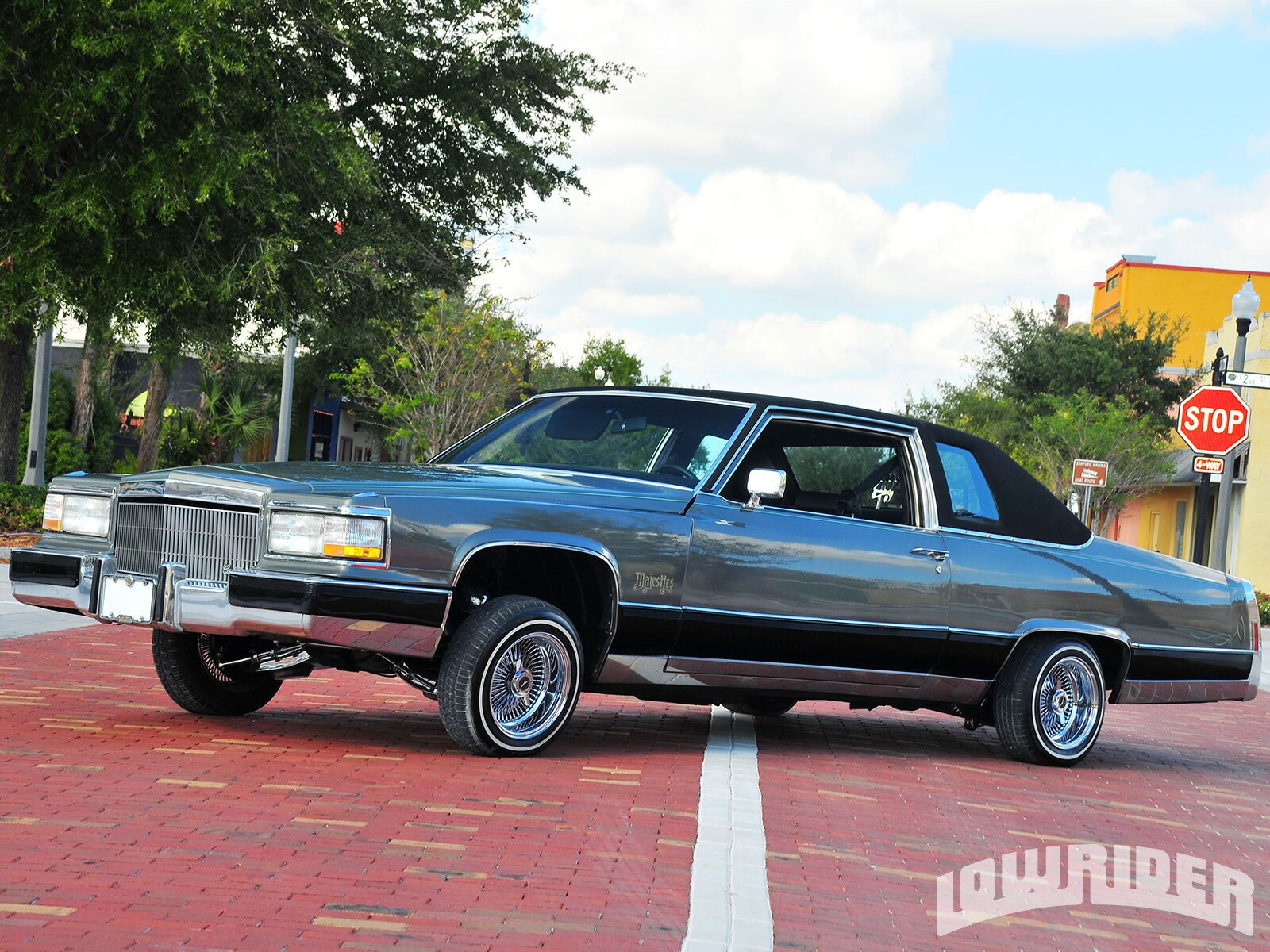 1977 Cadillac Coupe Deville Lowrider