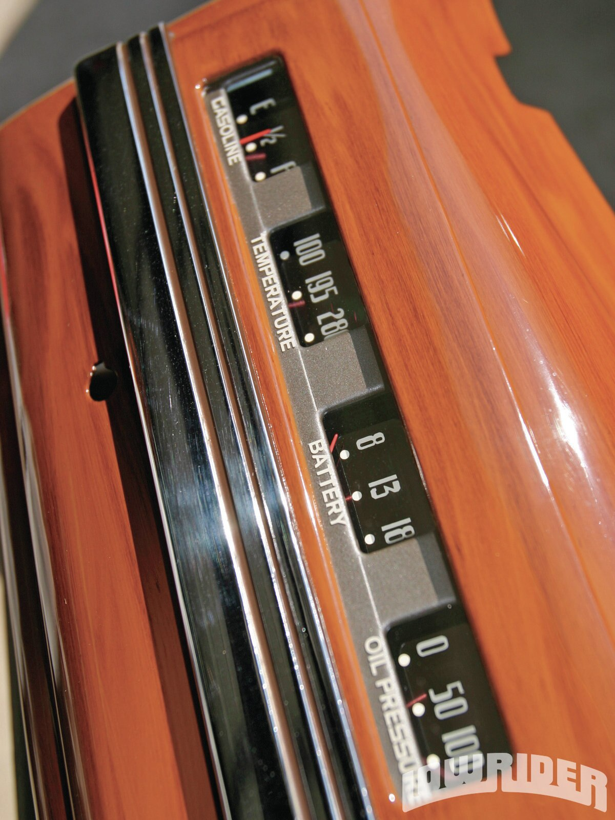 <strong>21</strong>. The gauge cluster fascia was later wood-grained along with the dash (something the wood grainer wasn't too happy about, as he had to delicately pry the bezel off and then reinstall