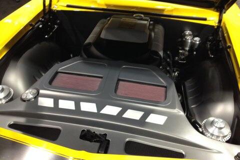 engine-compartments-of-SEMA-011