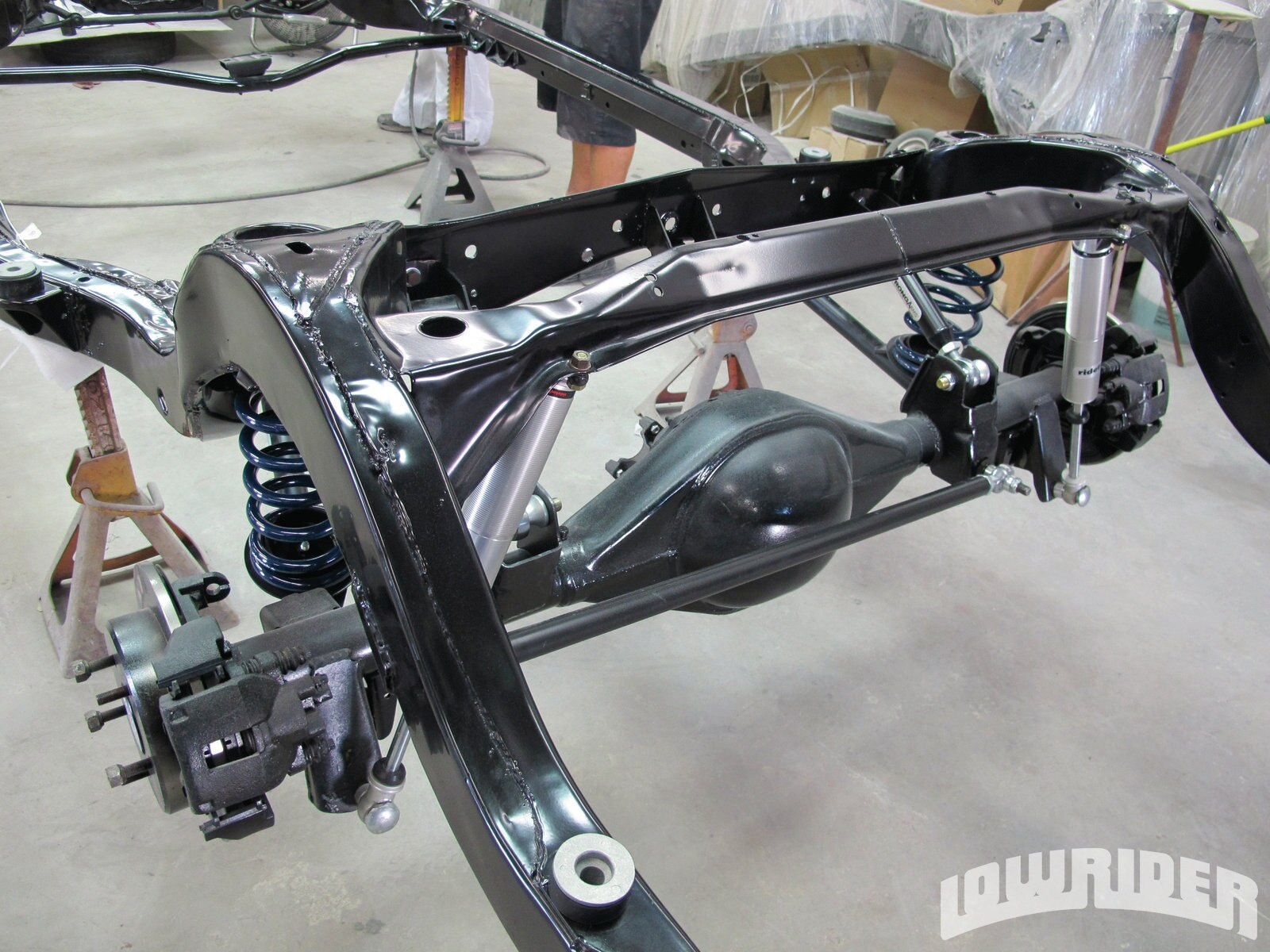 <strong>11</strong>. The rear part of the suspension was attached without a problem and we were now ready to take on the front suspension.