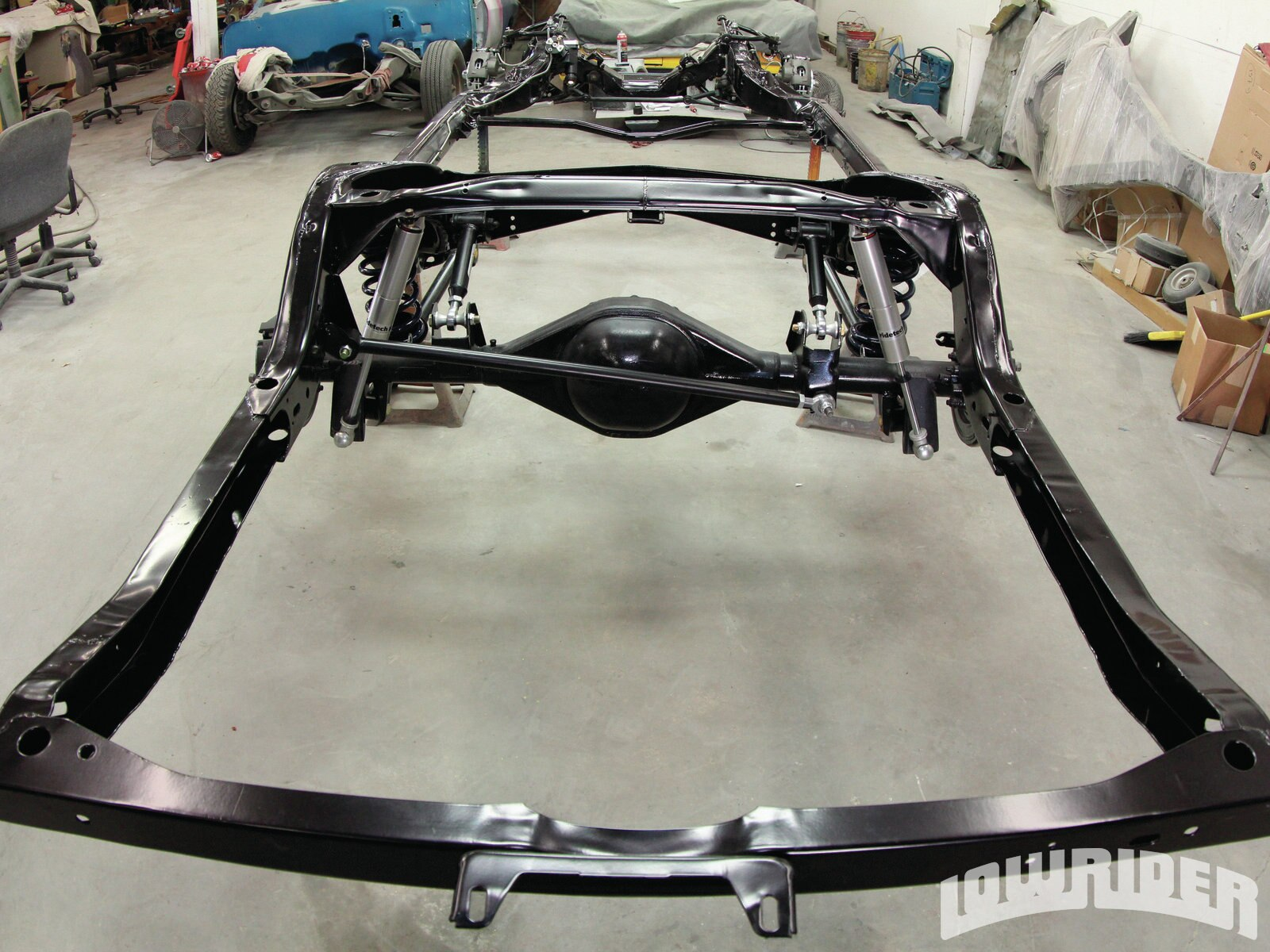 <strong>27</strong>. The complete powder coating will help withstand the wear and tear from the road.