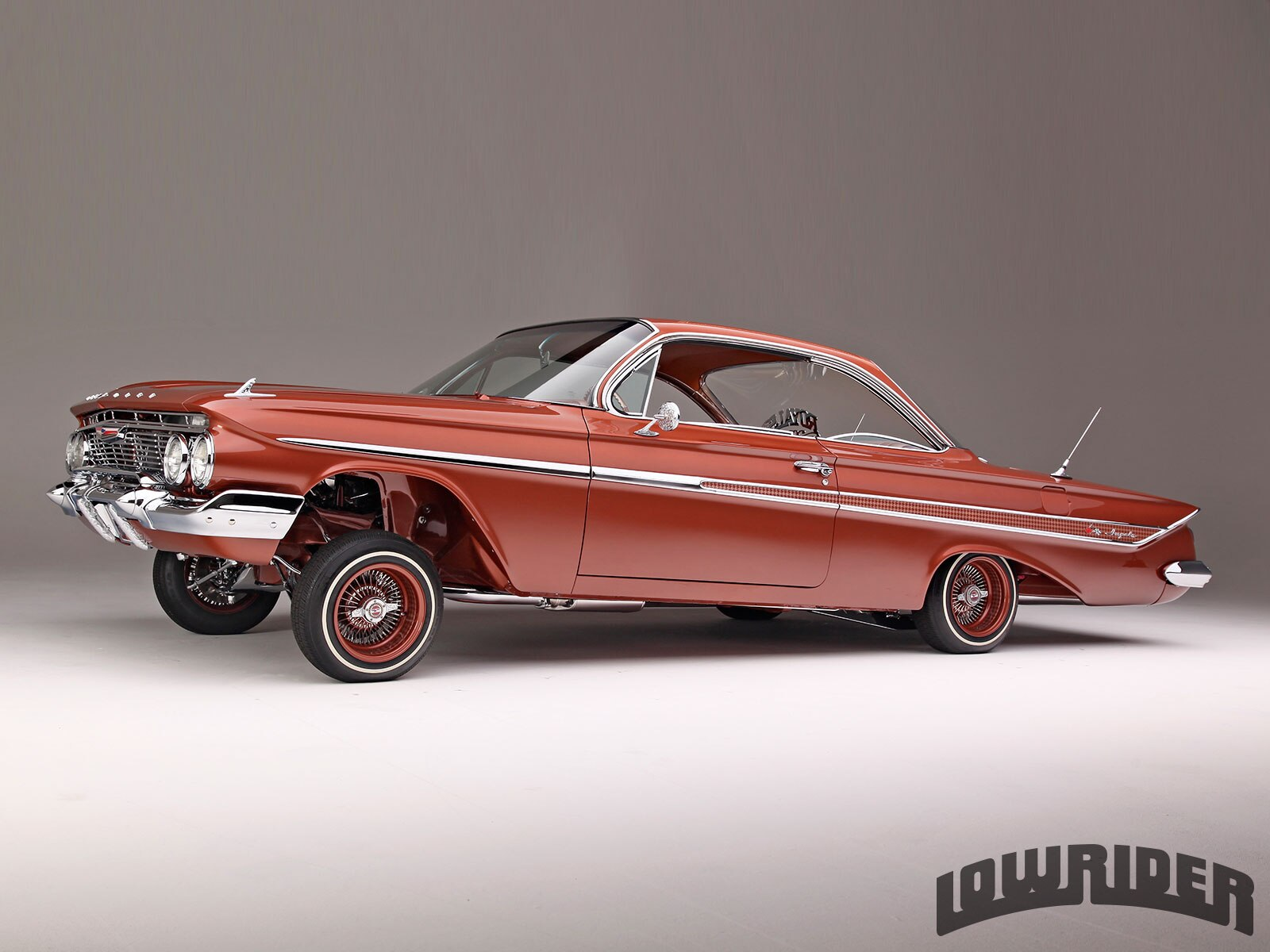 1961-chevrolet-impala-front-left-side-view-032