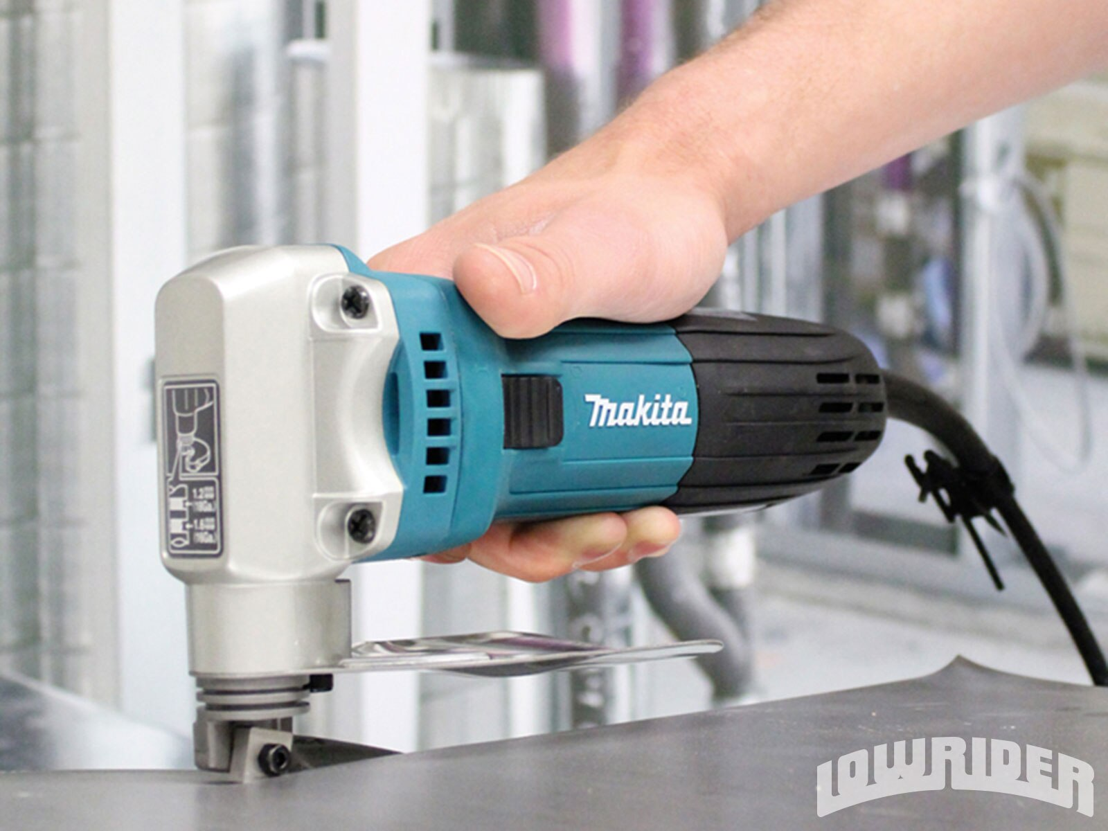 lowrider-new-products-november-2013-makita-JS1602-metal-shears1