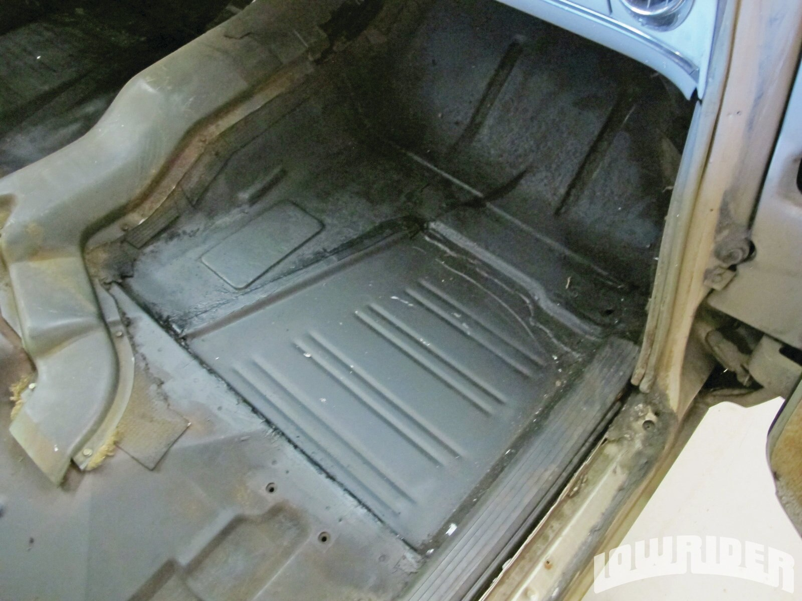<strong>24</strong>. Once welded and sealed, it received a paint coating to protect it from the rust elements.