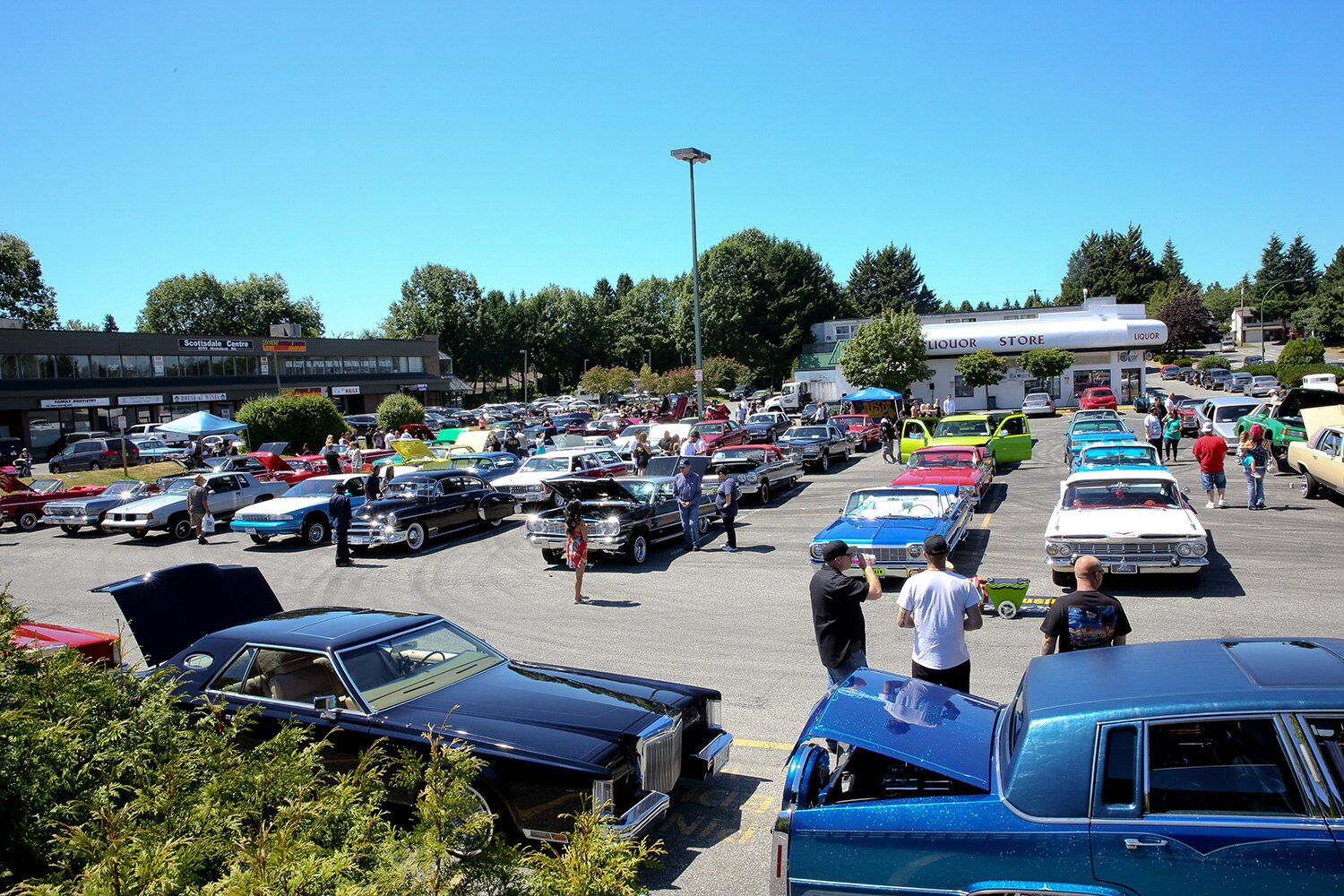fourth-annual-luxurious-car-show-and-hop-parking-lot-promo
