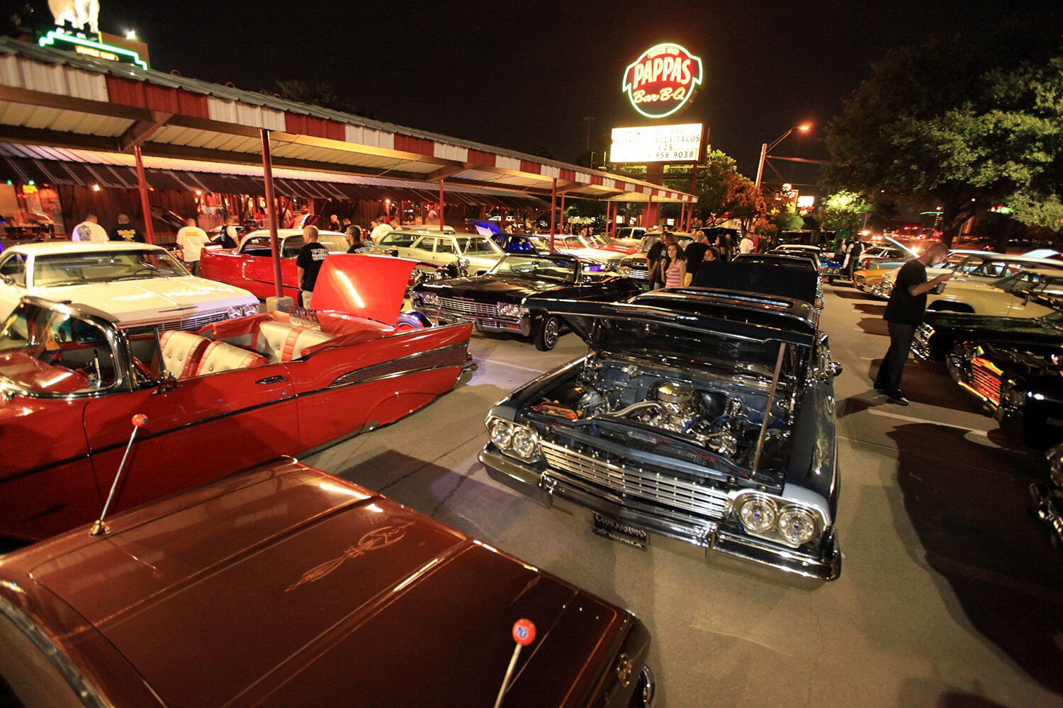pappas-BBQ-cruise-night-parking-lot-promo