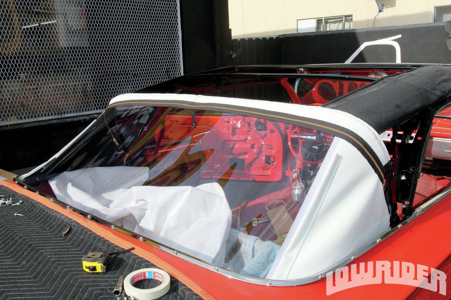<strong>12</strong>. The convertible top was ready to be installed.