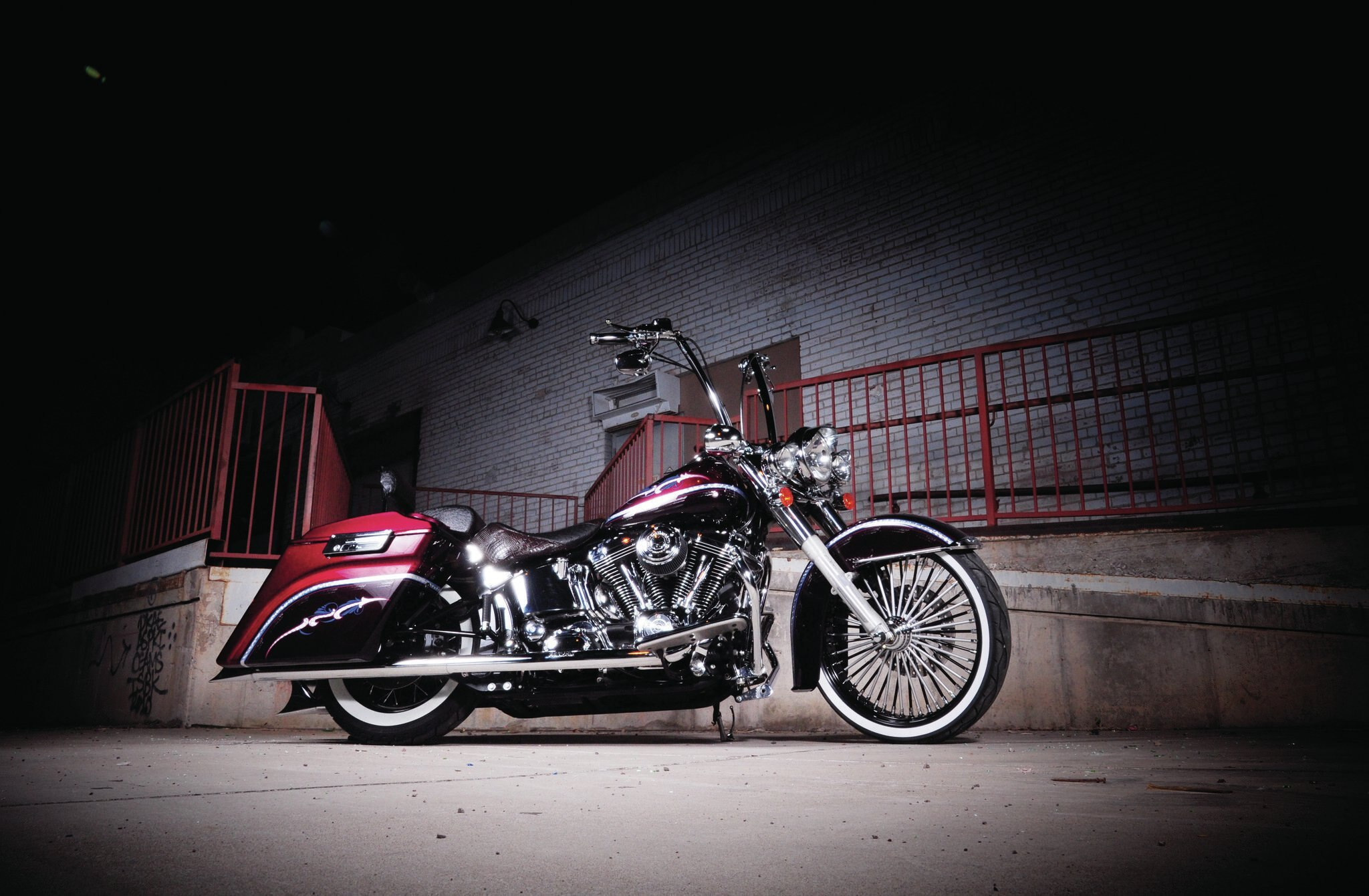 2005-harley-davidson-softail-side-view-011