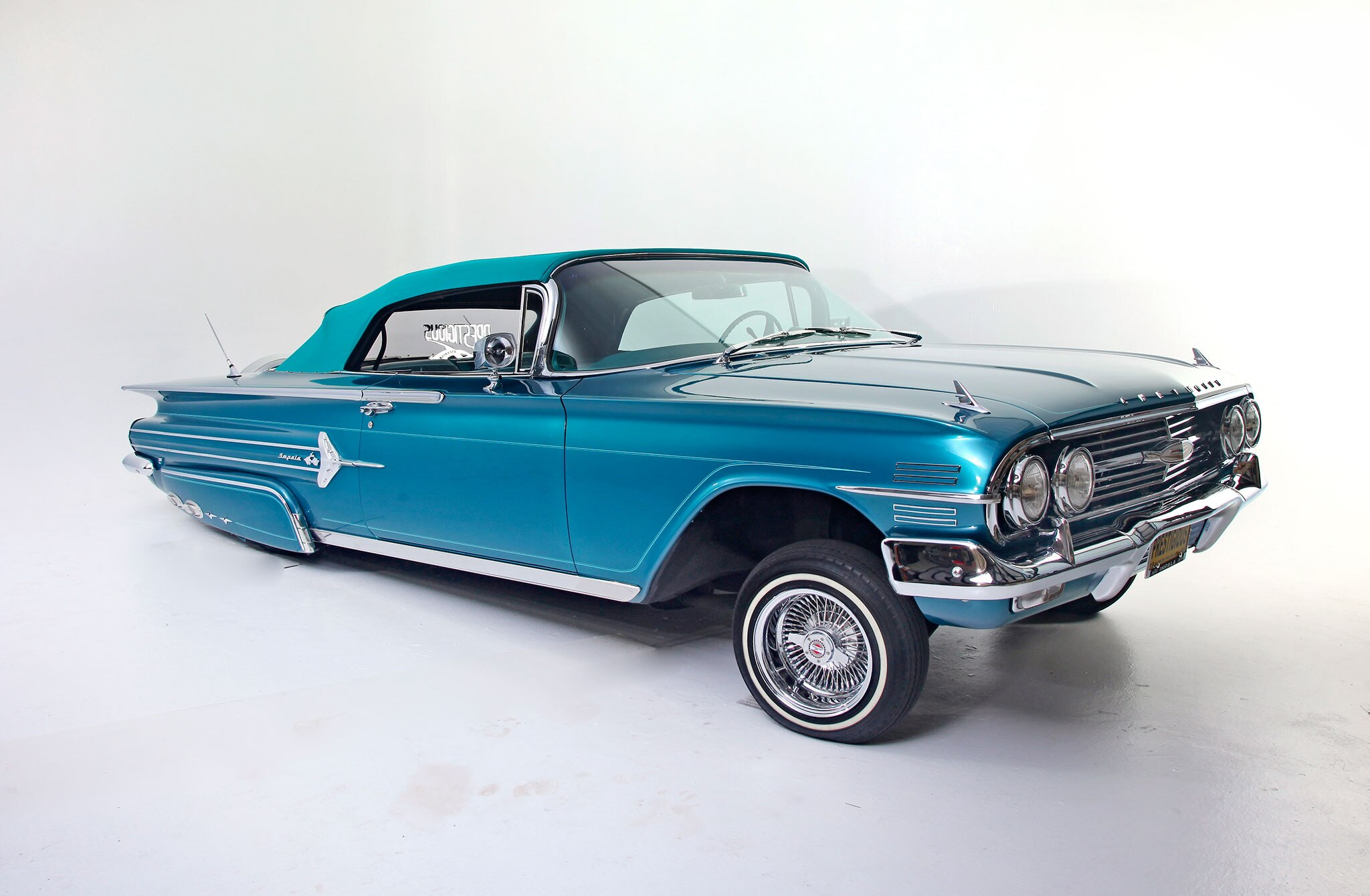 1960-chevrolet-impala-passenger-side-front-view-162