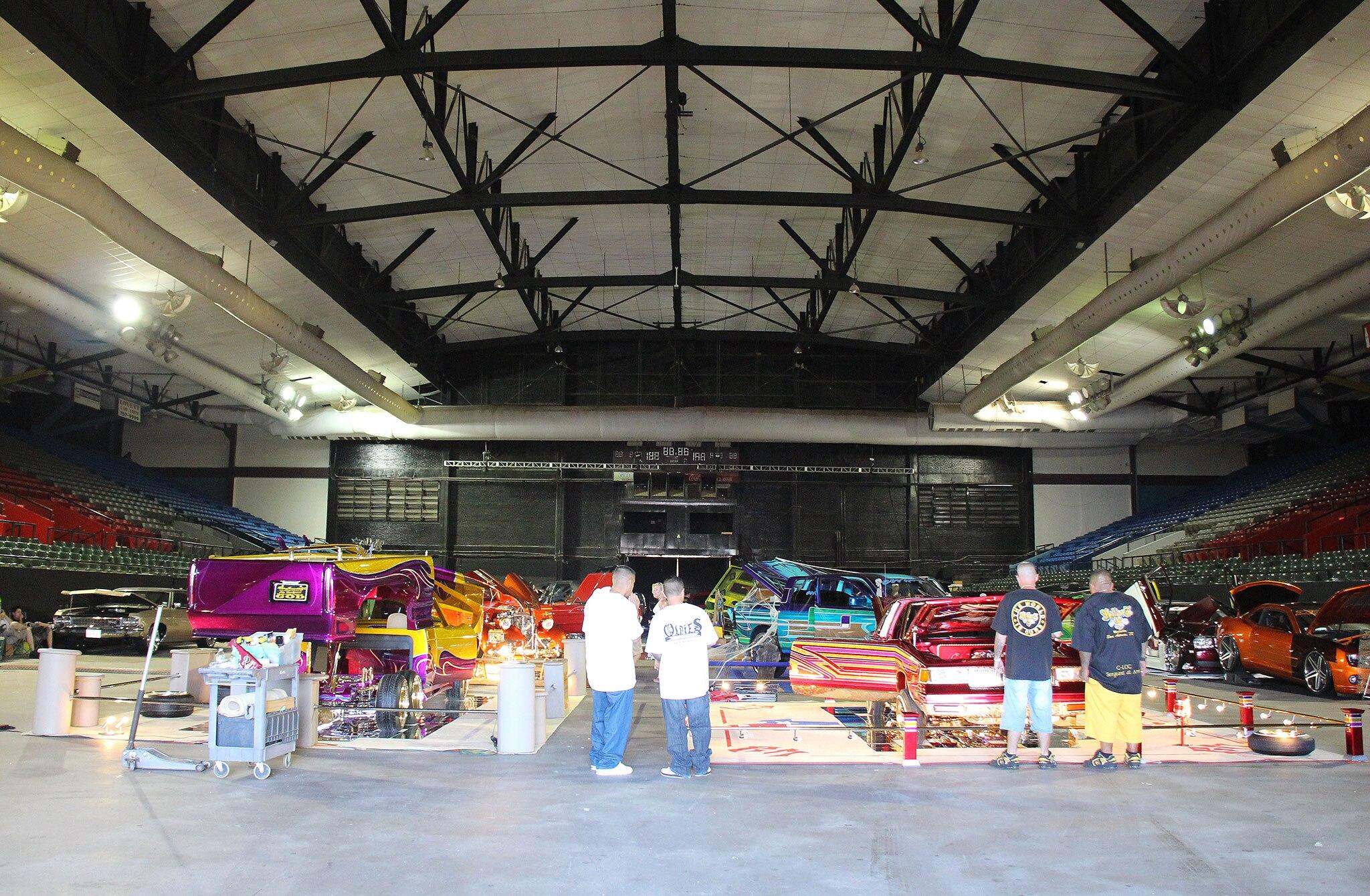 El paso texas lowrider show the tour stops here for Superstar motors el paso