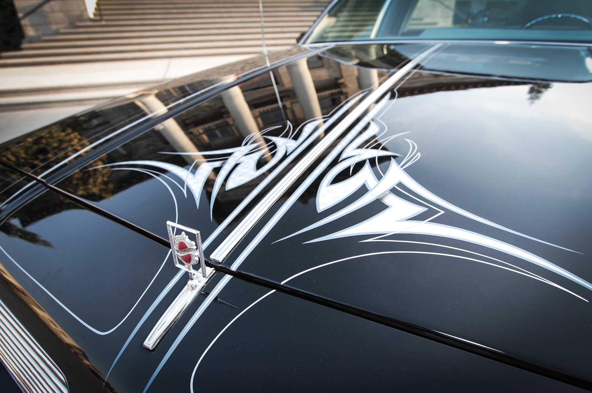 1983-oldsmobile-cutlass-hood-graphics