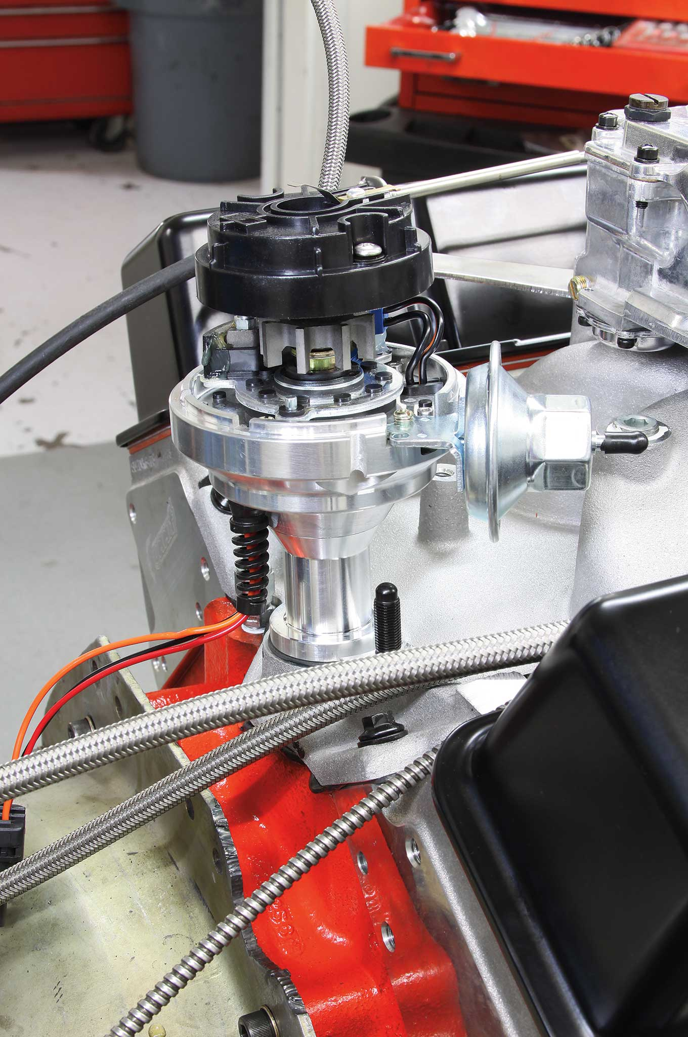 rebuilding-a-small-block-on-a-budget-summit-street-and-strip-ready-to-run-billet-distributor