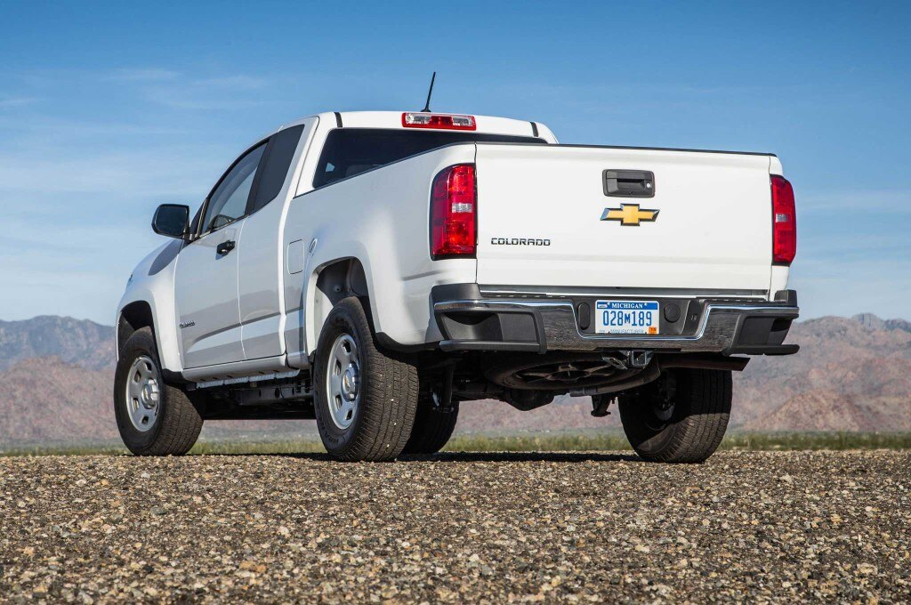 2015-chevrolet-colorado-driver-side-rear-quarter-view