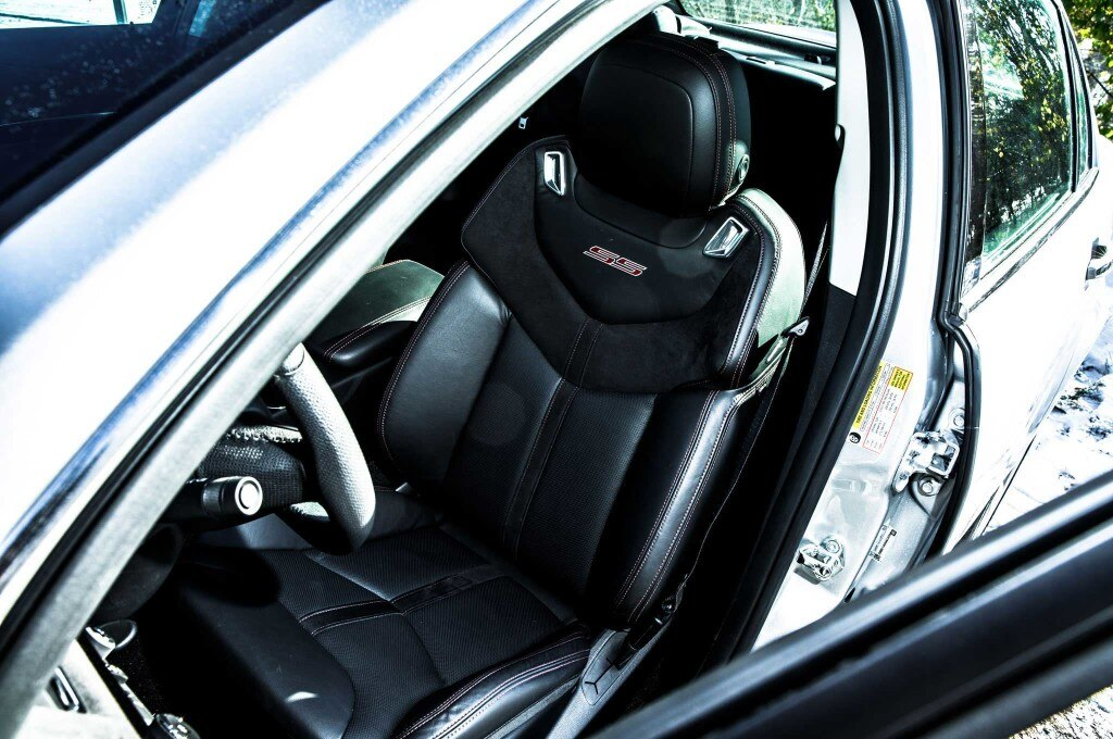 2015-chevrolet-ss-driver-seat