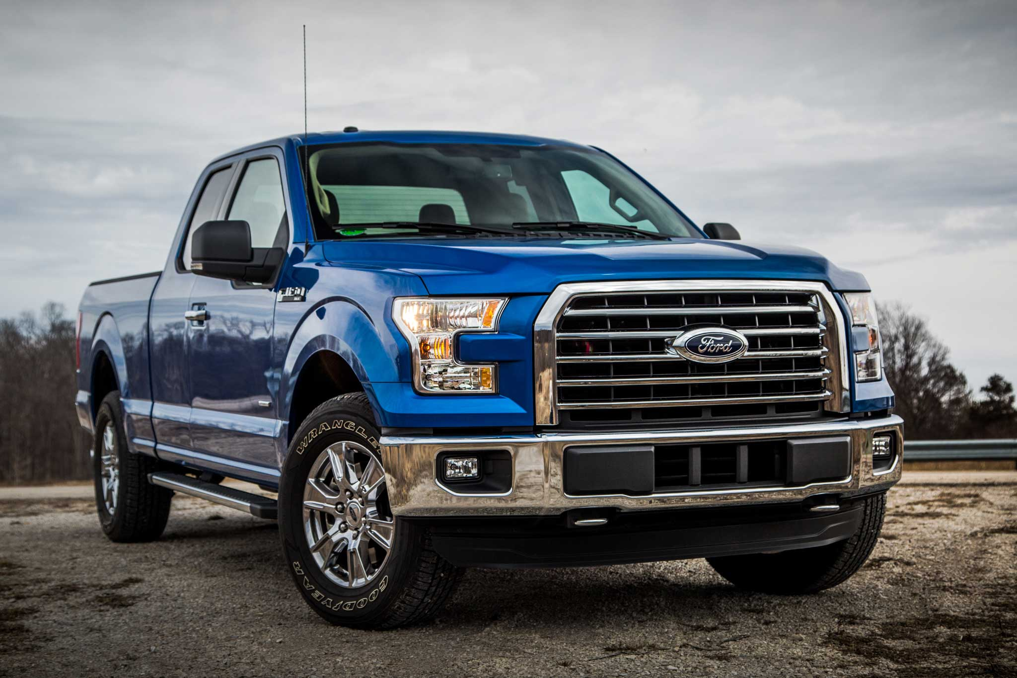 2015 ford f 150 review el lobo lowrider. Black Bedroom Furniture Sets. Home Design Ideas