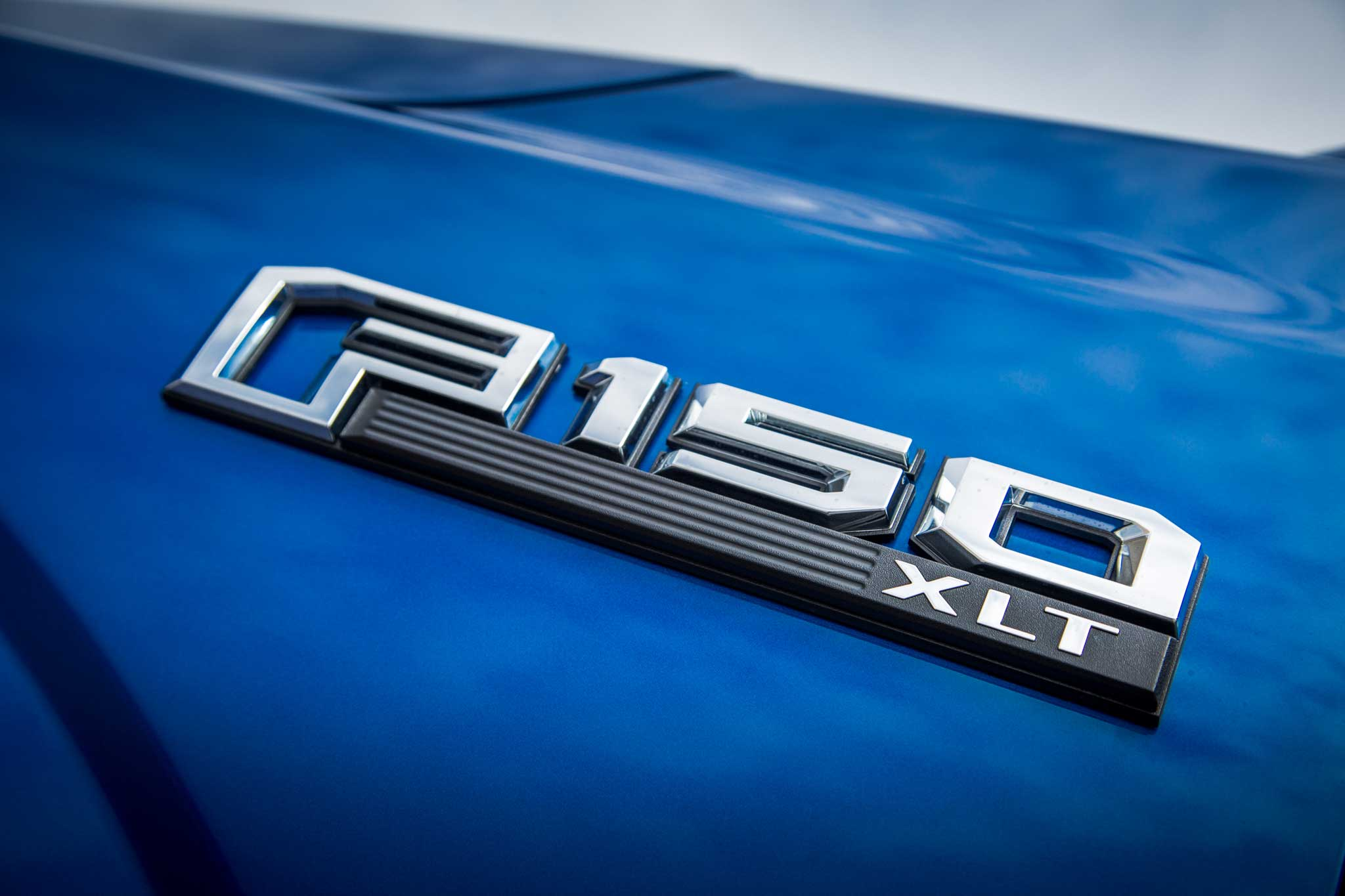 2015-ford-f-150-xlt-badge