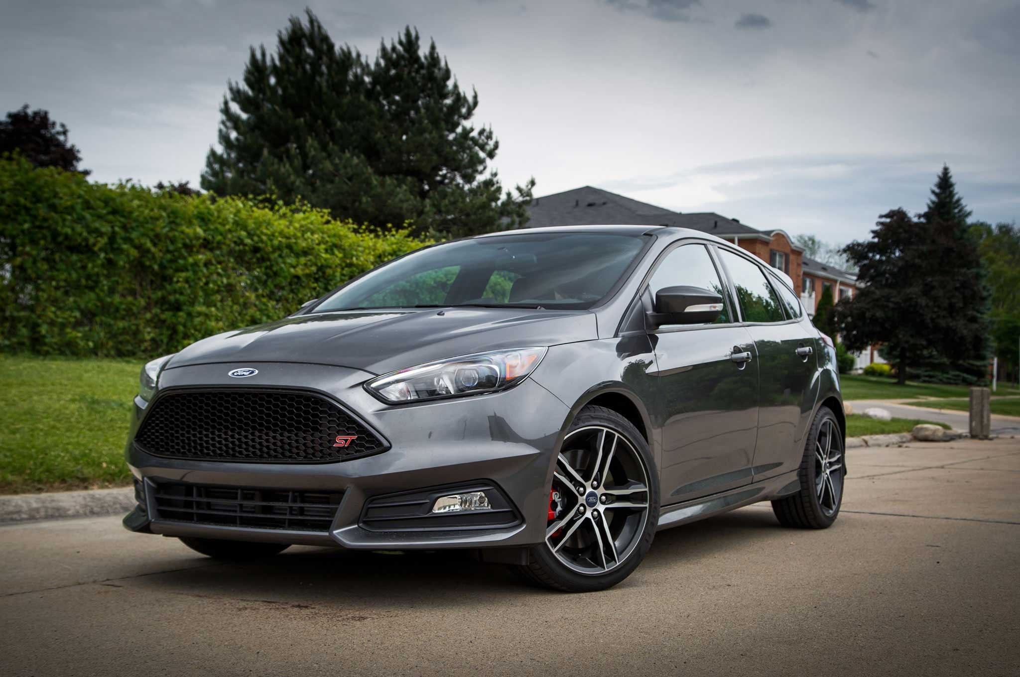 2015 ford focus st review lowrider. Black Bedroom Furniture Sets. Home Design Ideas