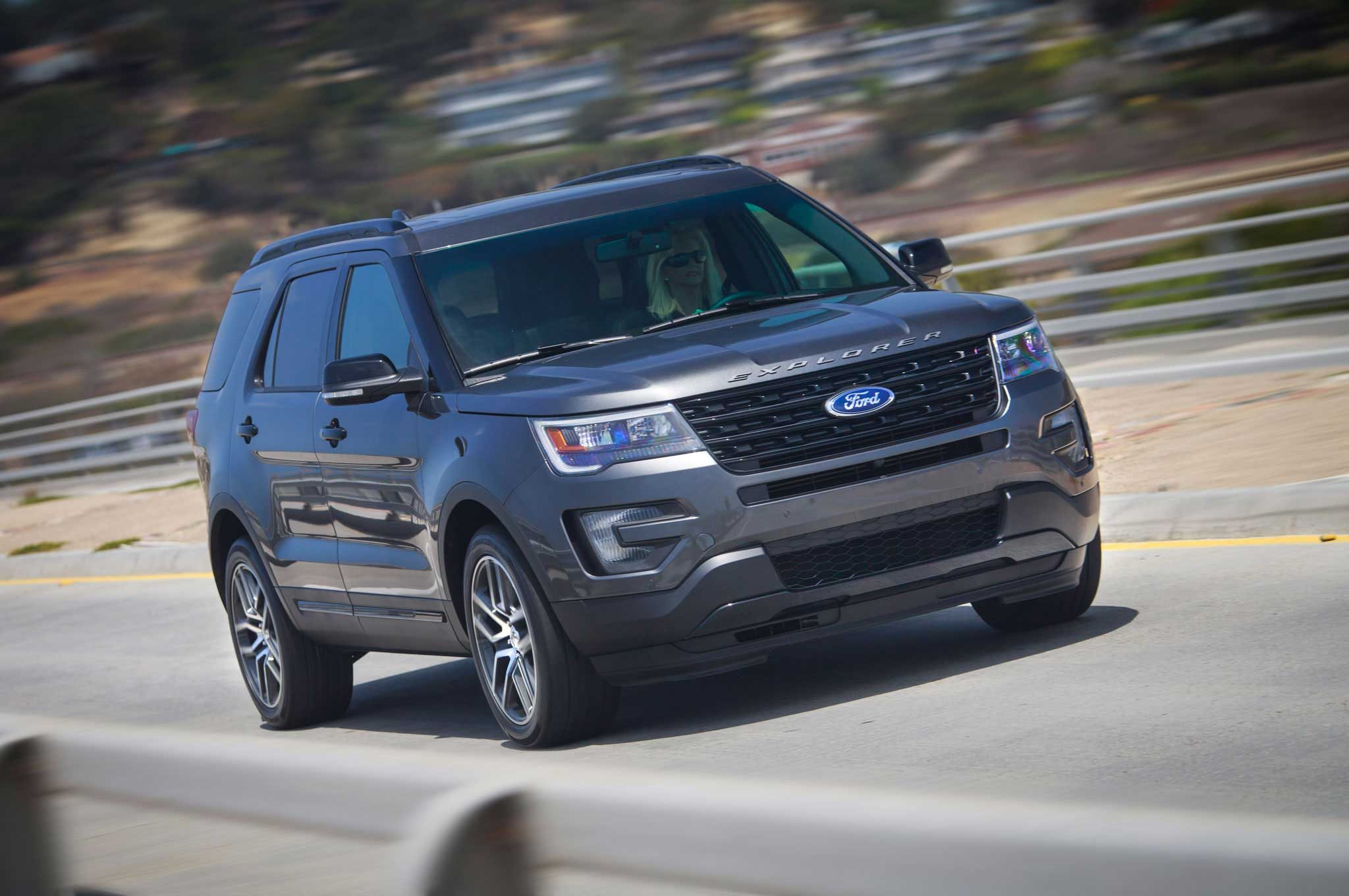 2016-ford-explorer-front-view