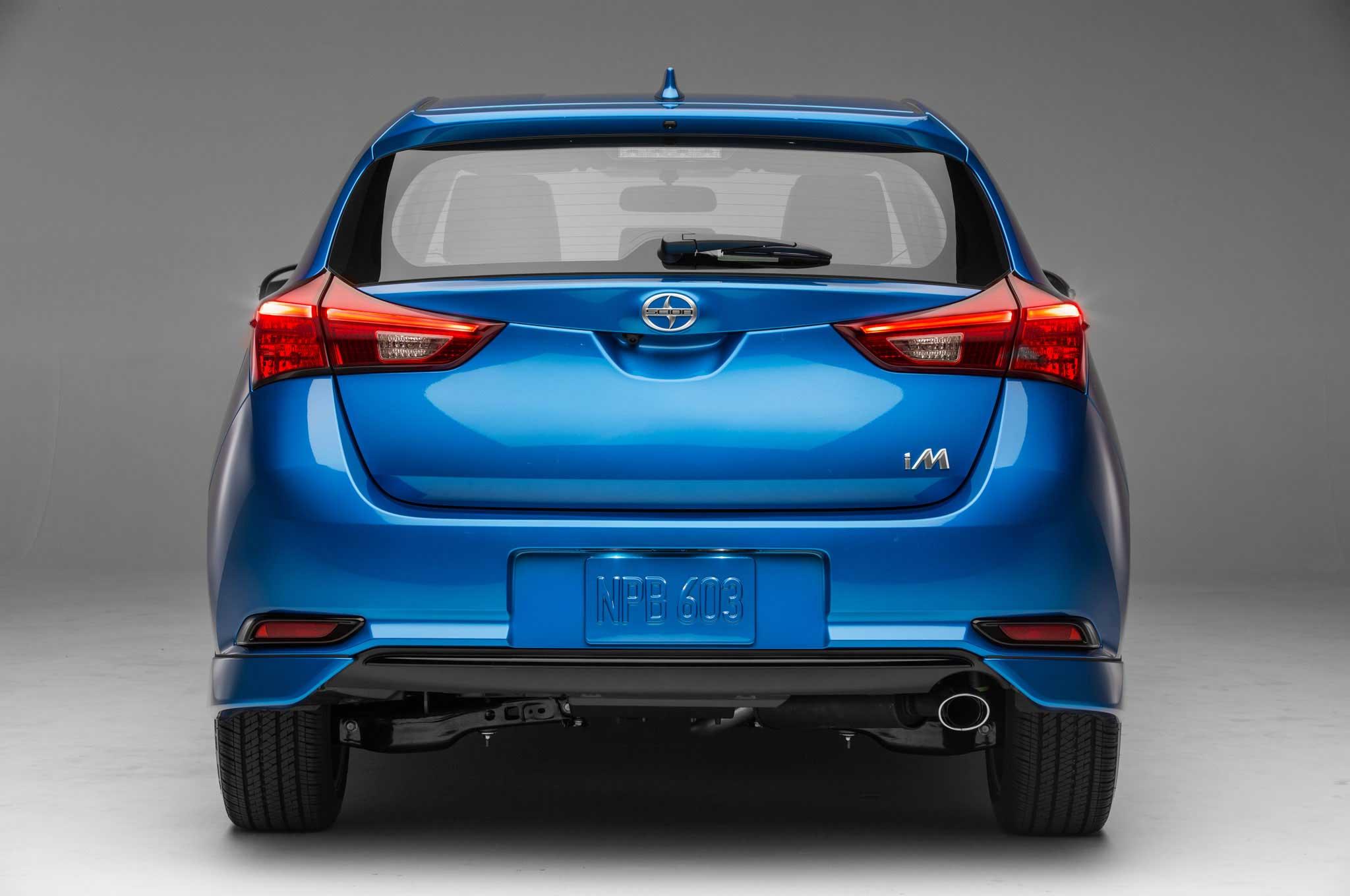 2016-scion-im-rear-hatch