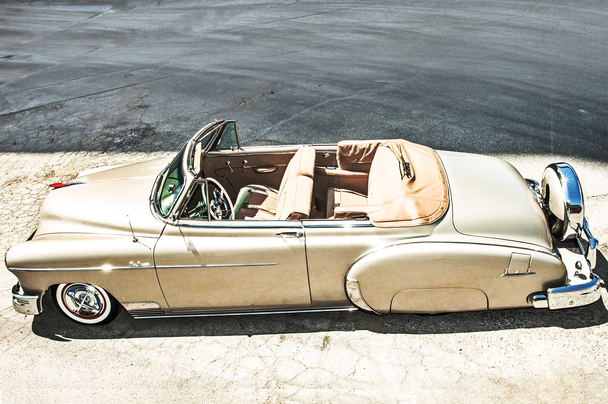The '49 Chevy DeLuxe package featured the must-have rear fender skirts.