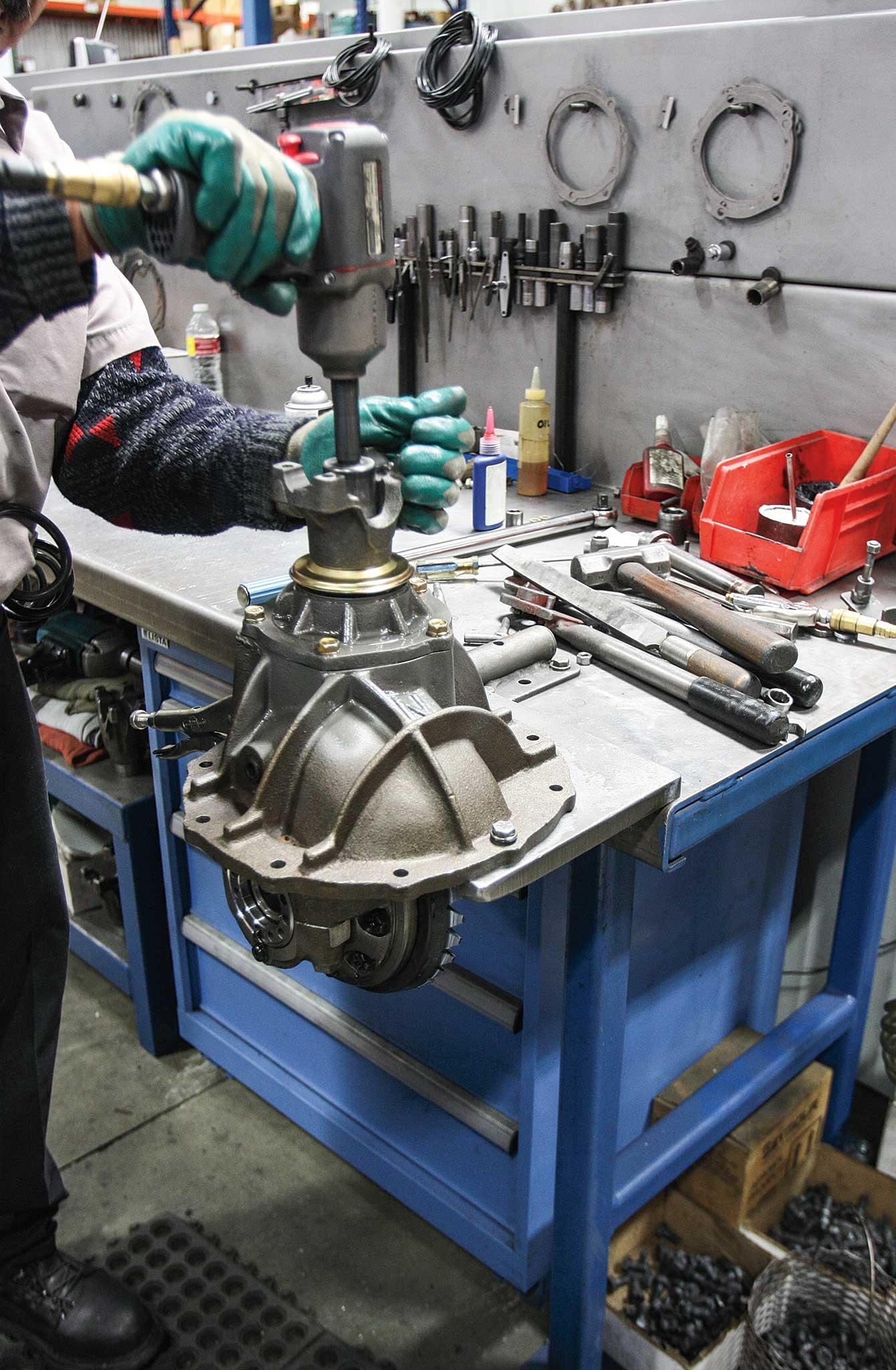 currie enterprises rear axles yoke pinion install 020