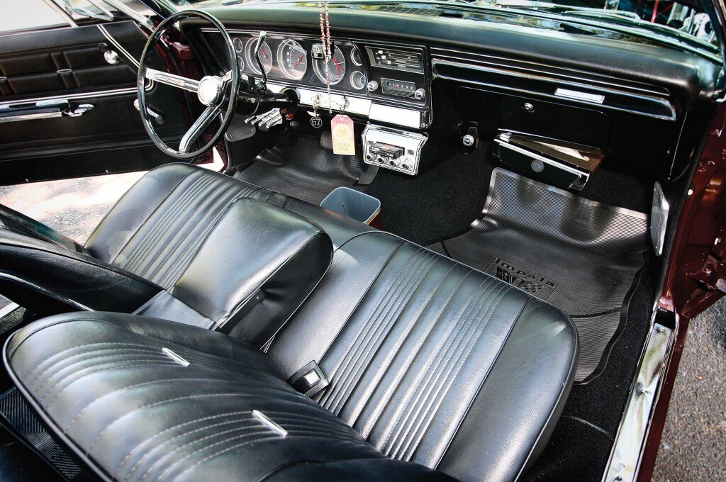 1967 chevrolet impala convertible front seats 006