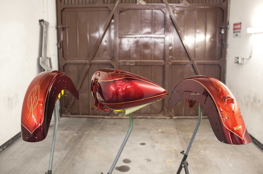 how to paint a two stage custom paint job custom motorcycle fenders and tank 015