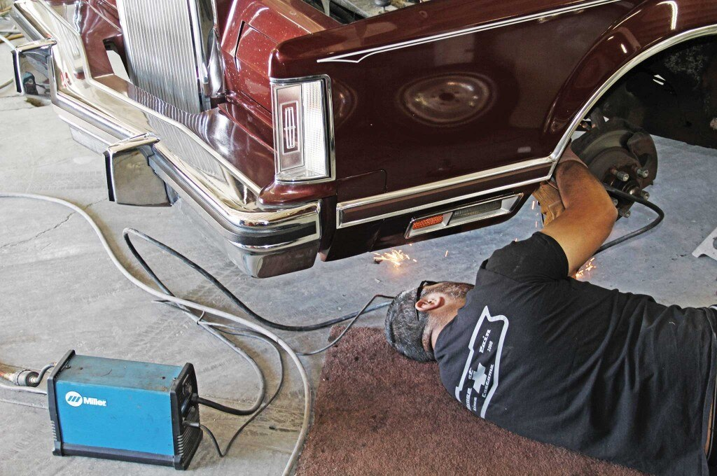79 lincoln continental mark v hydraulics install a coil cutting 006