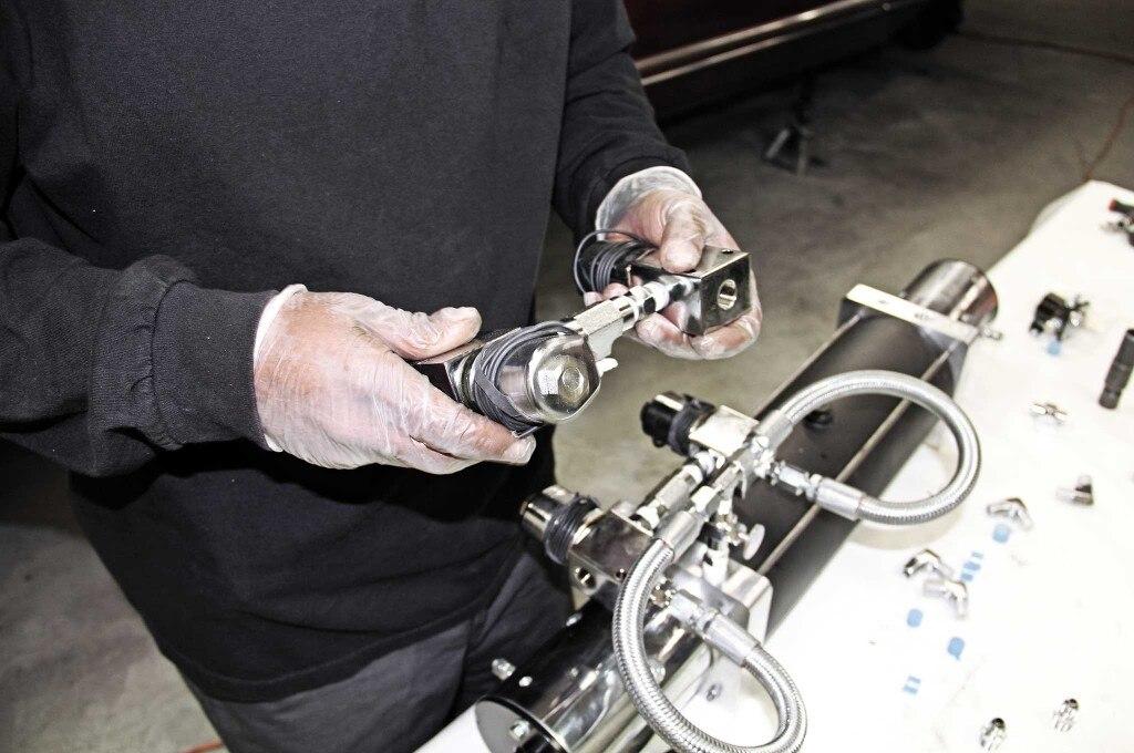 79 lincoln continental mark v hydraulics install return hoses install 021