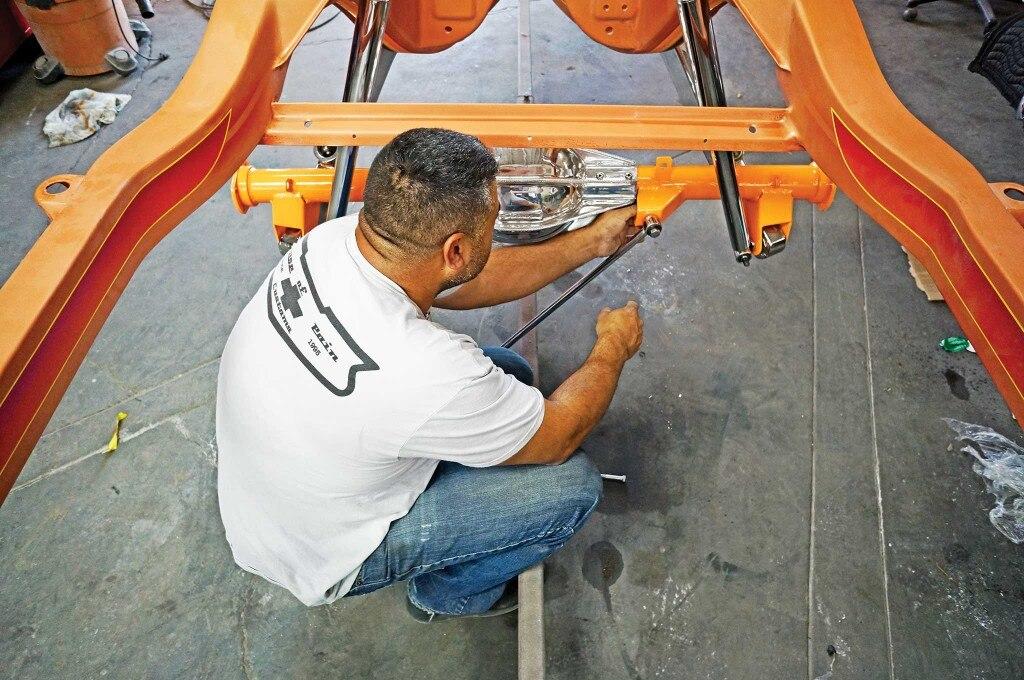 currie enterprises rearend panhard bar install 011