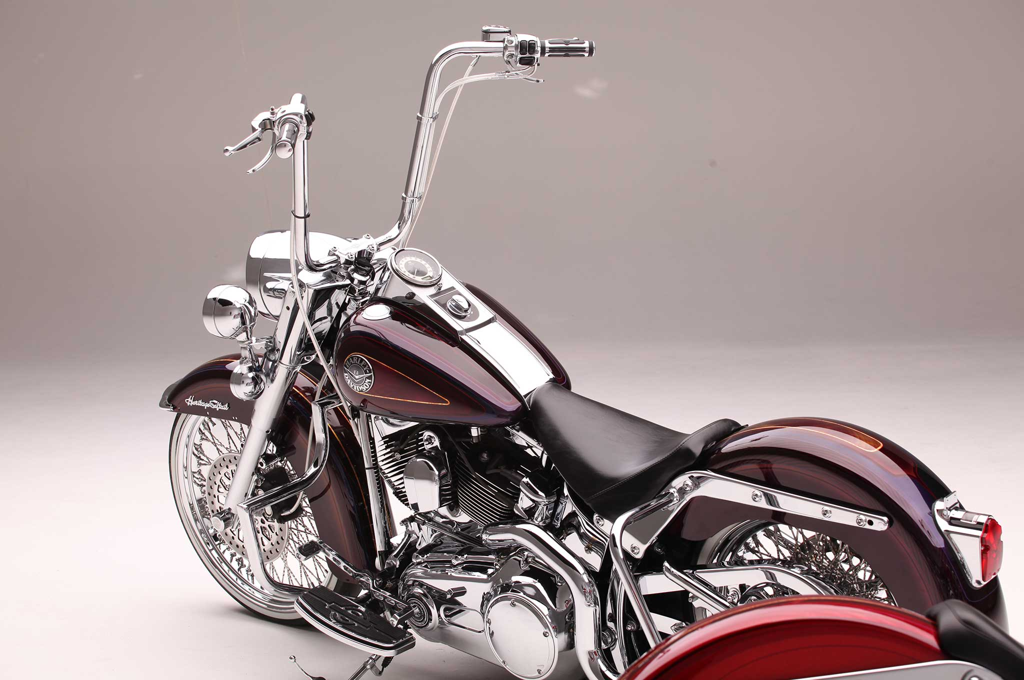 Heritage Softail & Softail Deluxe - Two Harleys, One Painter