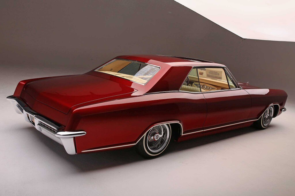 1965 buick riviera back end