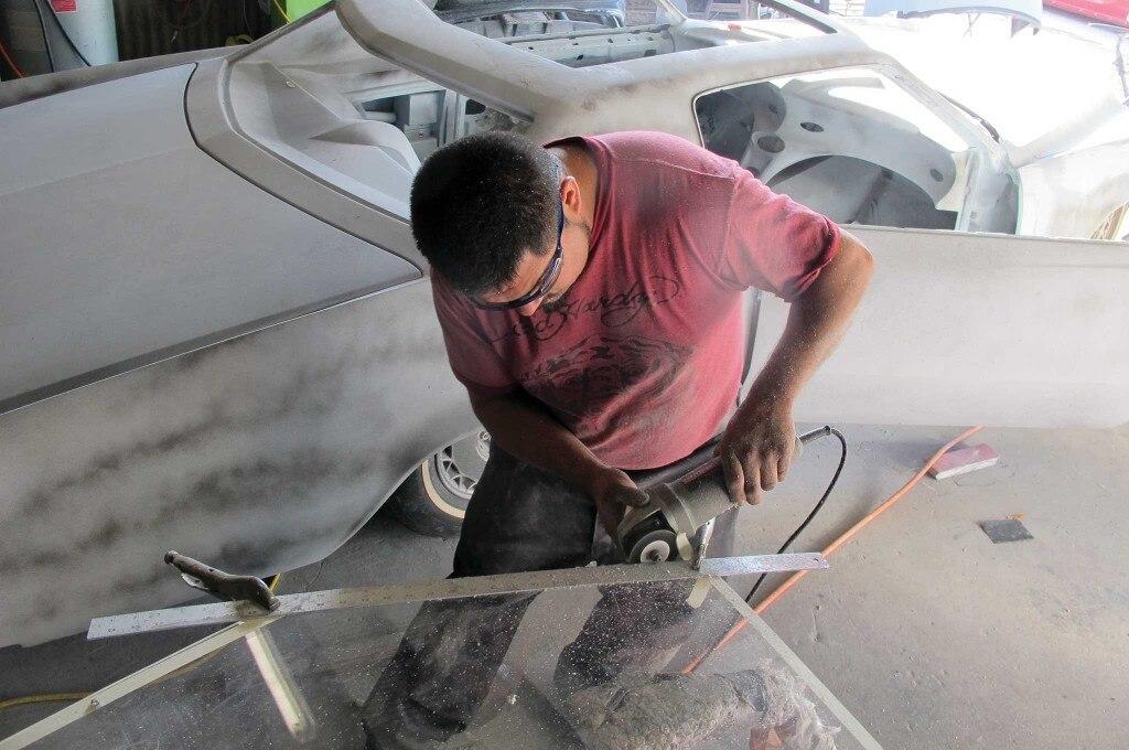 acrylic glass roof installation edge cutting 001 1