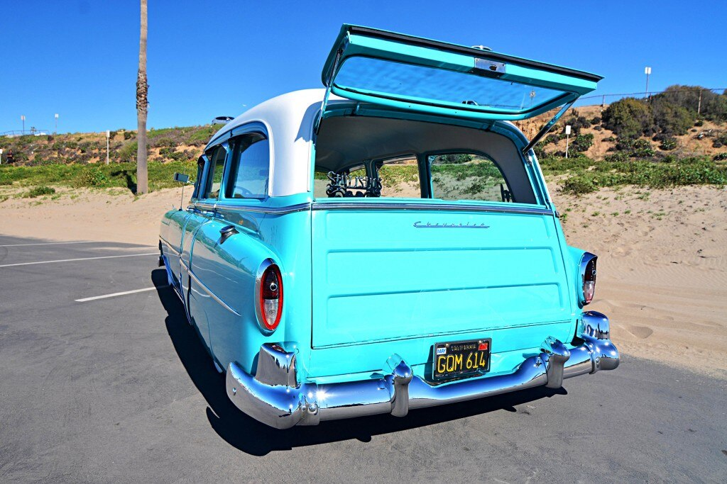 1954 chevrolet wagon tailgate