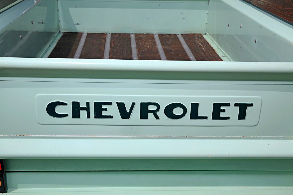 1951 chevrolet 3100 step side truck tail gate