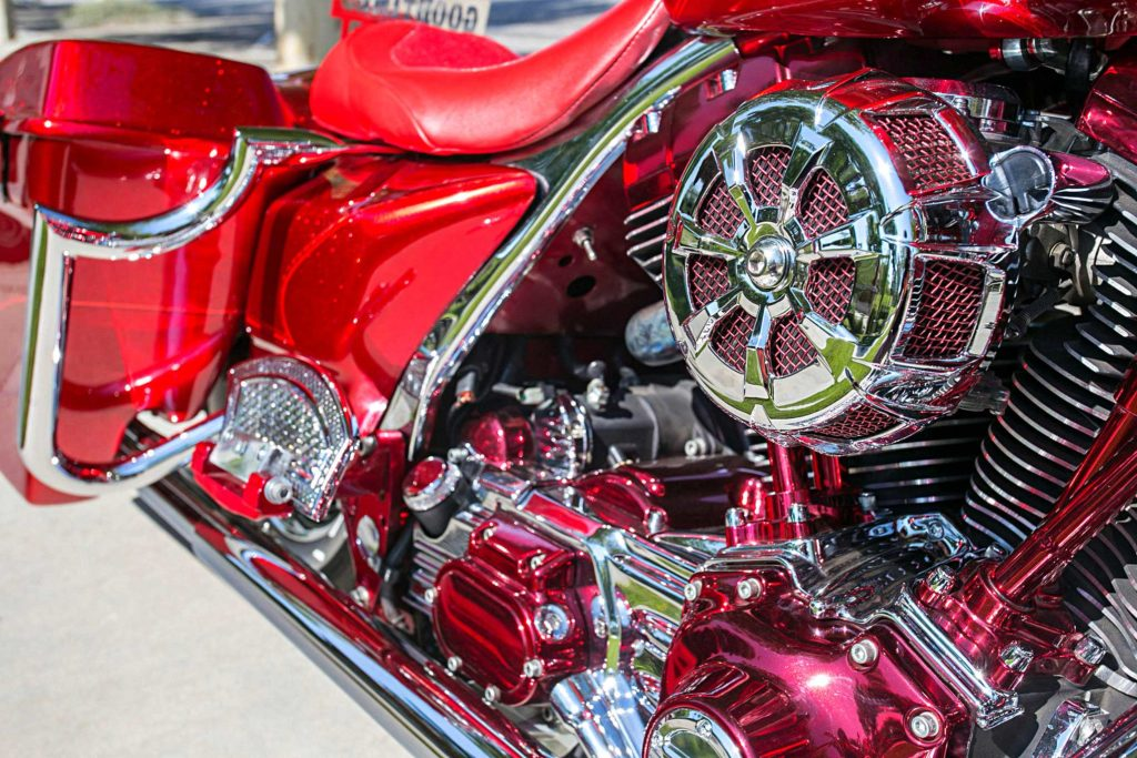 2005 harley davidson road king chrome engine accents
