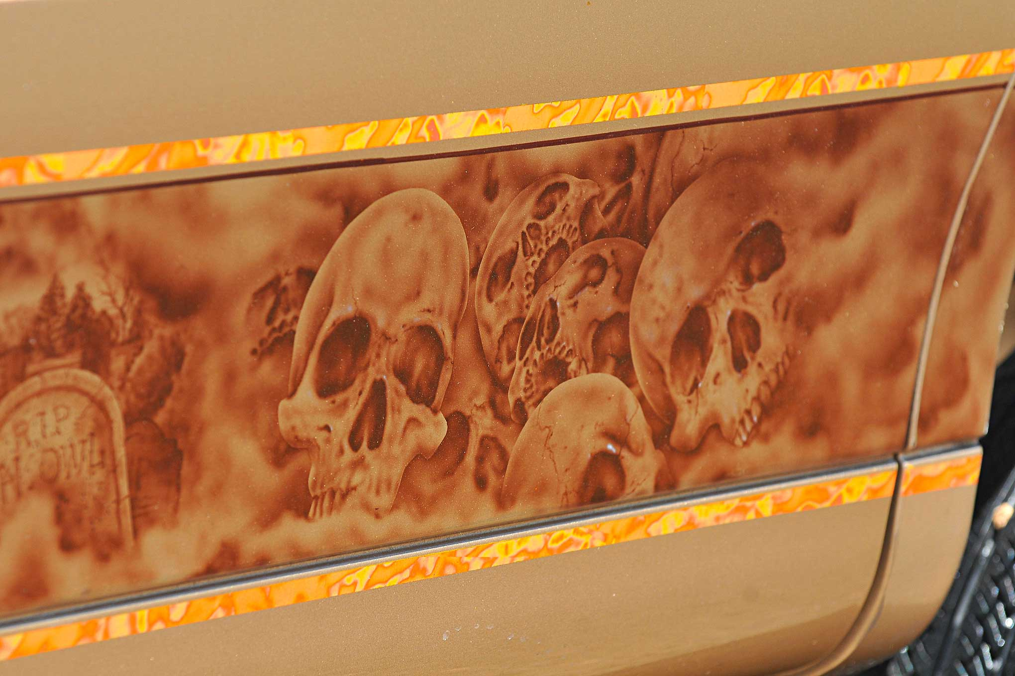 1998 lincoln towncar airbrushed skull mural lowrider for Airbrushed mural