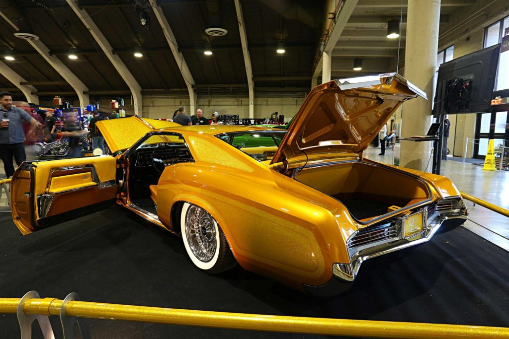 hot rods custom stuffs 1966 buick riviera gs driver side rear quarter view