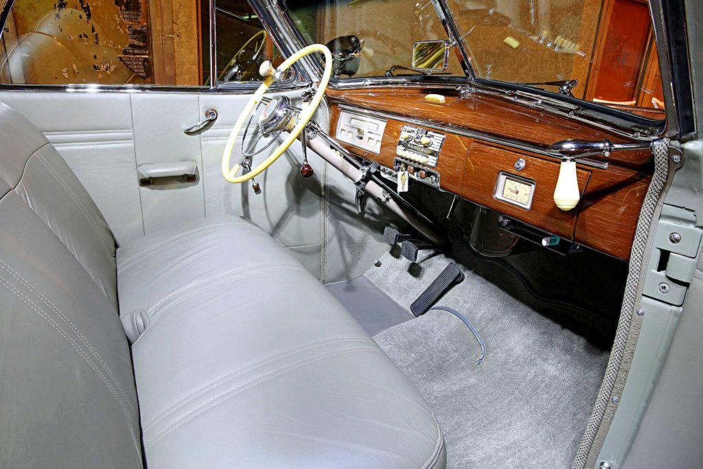 1939 pontiac convertible interior