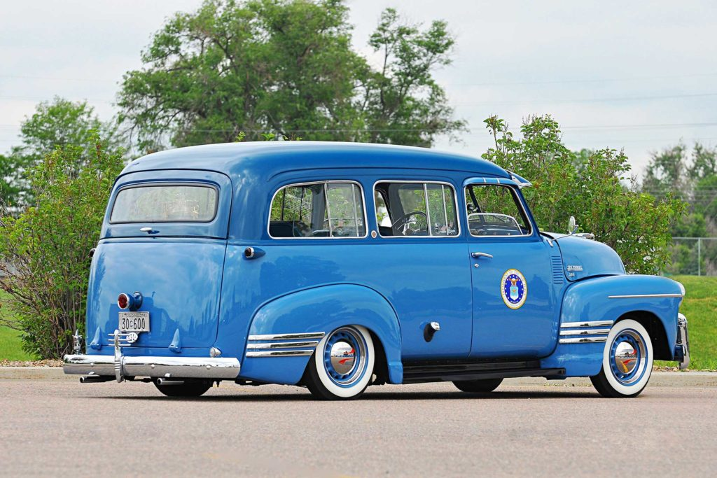 1948 chevrolet suburban passenger side rear quarter view