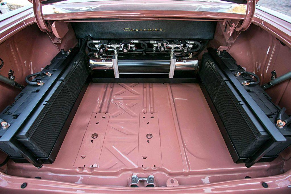 1957 Chevrolet Bel Air Trunk Setup