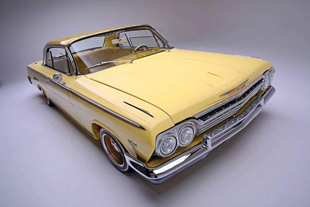 1962 Chevrolet Impala Passenger Side Front View 02